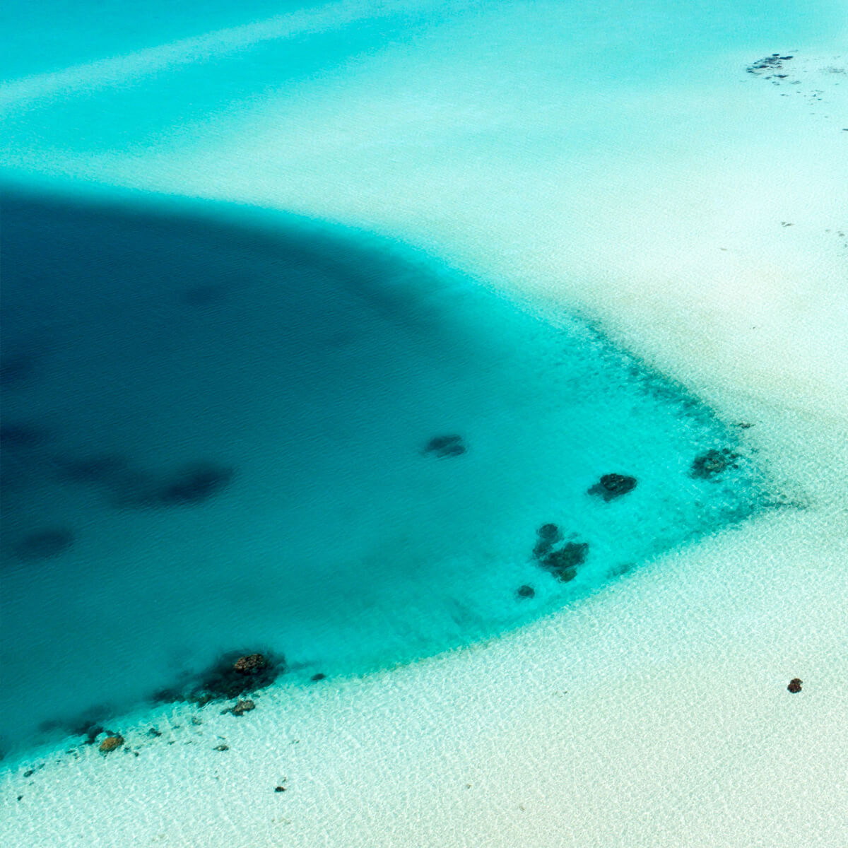 ultimate-yachts-maldives-ishan-seefromthesky-03
